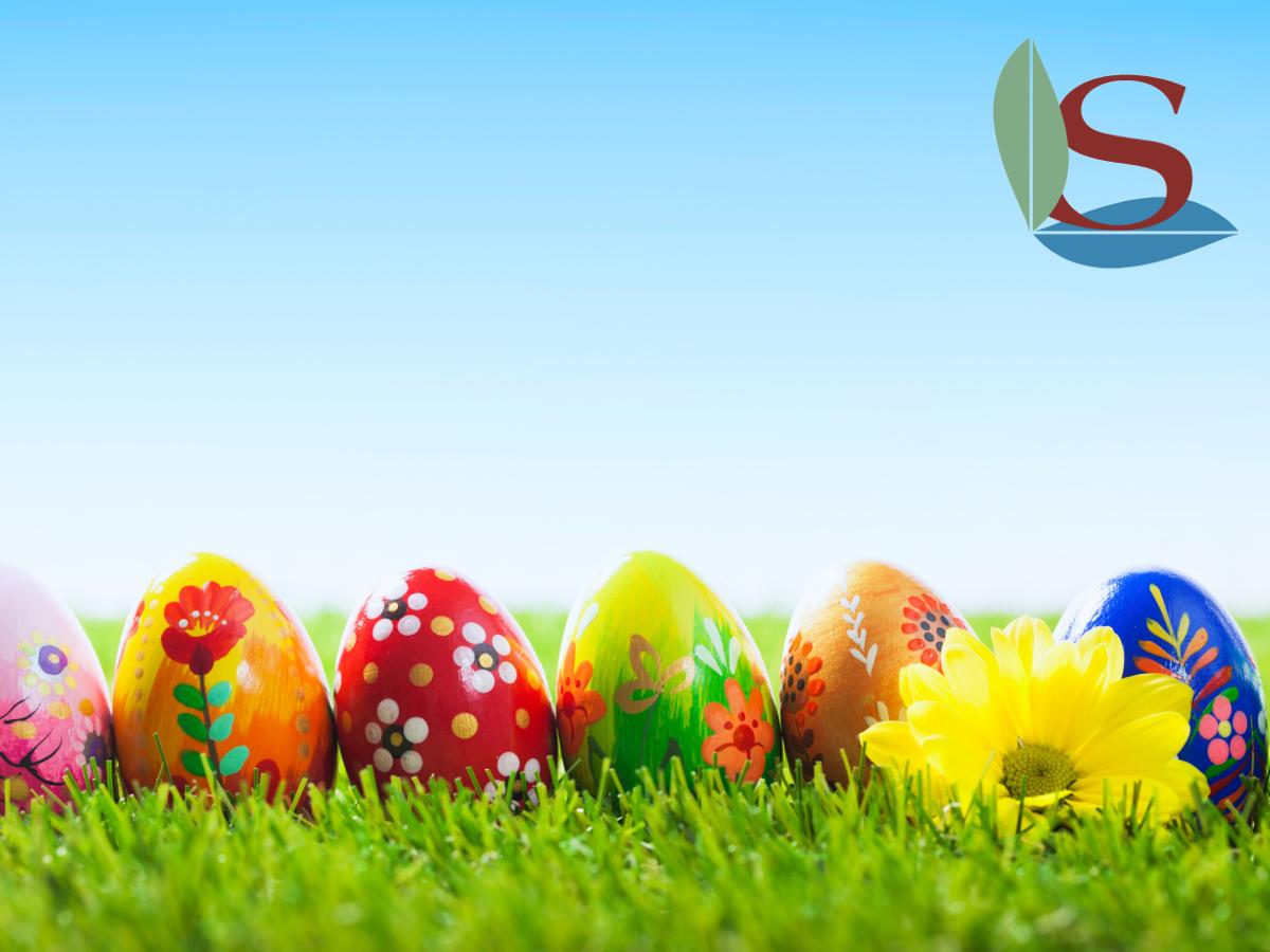 Le uova di Pasqua sono colorate